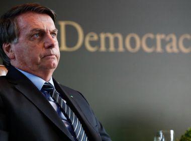 Bolsonaro critica pedidos de impeachment: 'Quer botar quem no lugar?'
