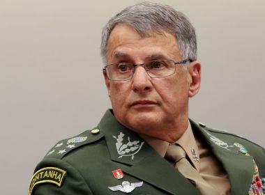 Comandantes das Forças Armadas resolvem entregar cargos após saída de ministro