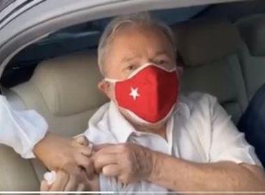 Ex-presidente Lula recebe 2ª dose da vacina contra Covid