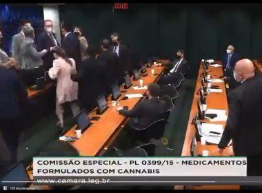 Deputado agride colega durante sessão de comissão que discutia PL da Cannabis Medicinal