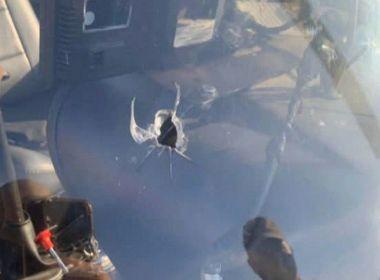 Helicóptero de emissora de TV é alvejado em tiroteio no RJ; piloto é baleado de raspão
