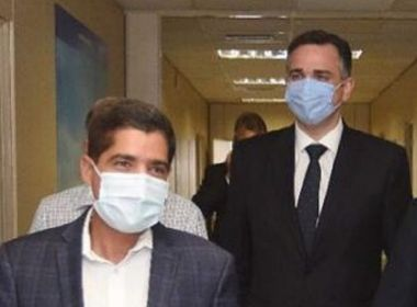 Cortejado por Kassab para a presidência, Pacheco garante a Neto que fica no DEM