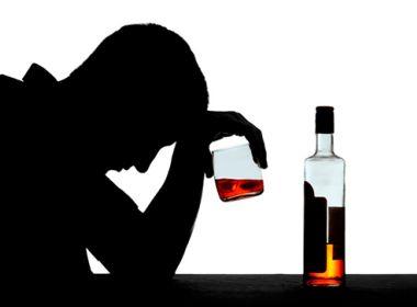 Consumo de álcool está ligado a suicídio de pessoas com idades entre 25 e 44 anos