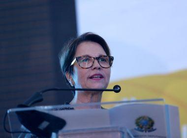 Ministra da Agricultura não vê riscos à saúde em liberação de agrotóxicos