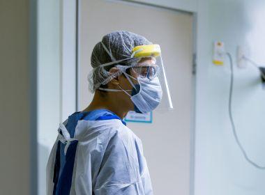 Pandemia mostrou sobrecarga e problemas de capacitação em profissionais da saúde